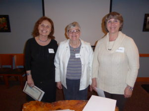 Liz O'Connell 2016 Contest Winner with Carolyn Rinehart and Diane Walters
